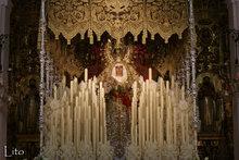 Die trauernde Gottesmutter unter dem Baldachin - Virgen del la Esperanza de Triana